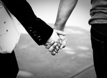 tumblr_static_holding-hands1